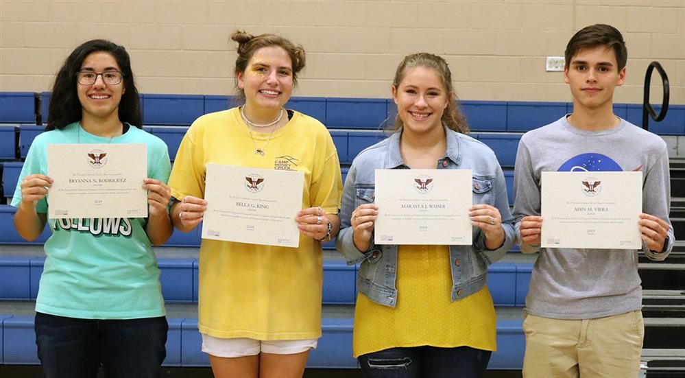 Students honored for outstanding volunteer service